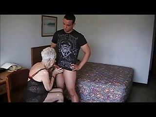 GRANNY MARG 90 HOTEL FUCKED (GOOGLE COUGAR CHAMPION)