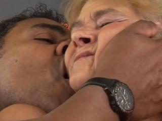 Mature granny getting roughly fucked